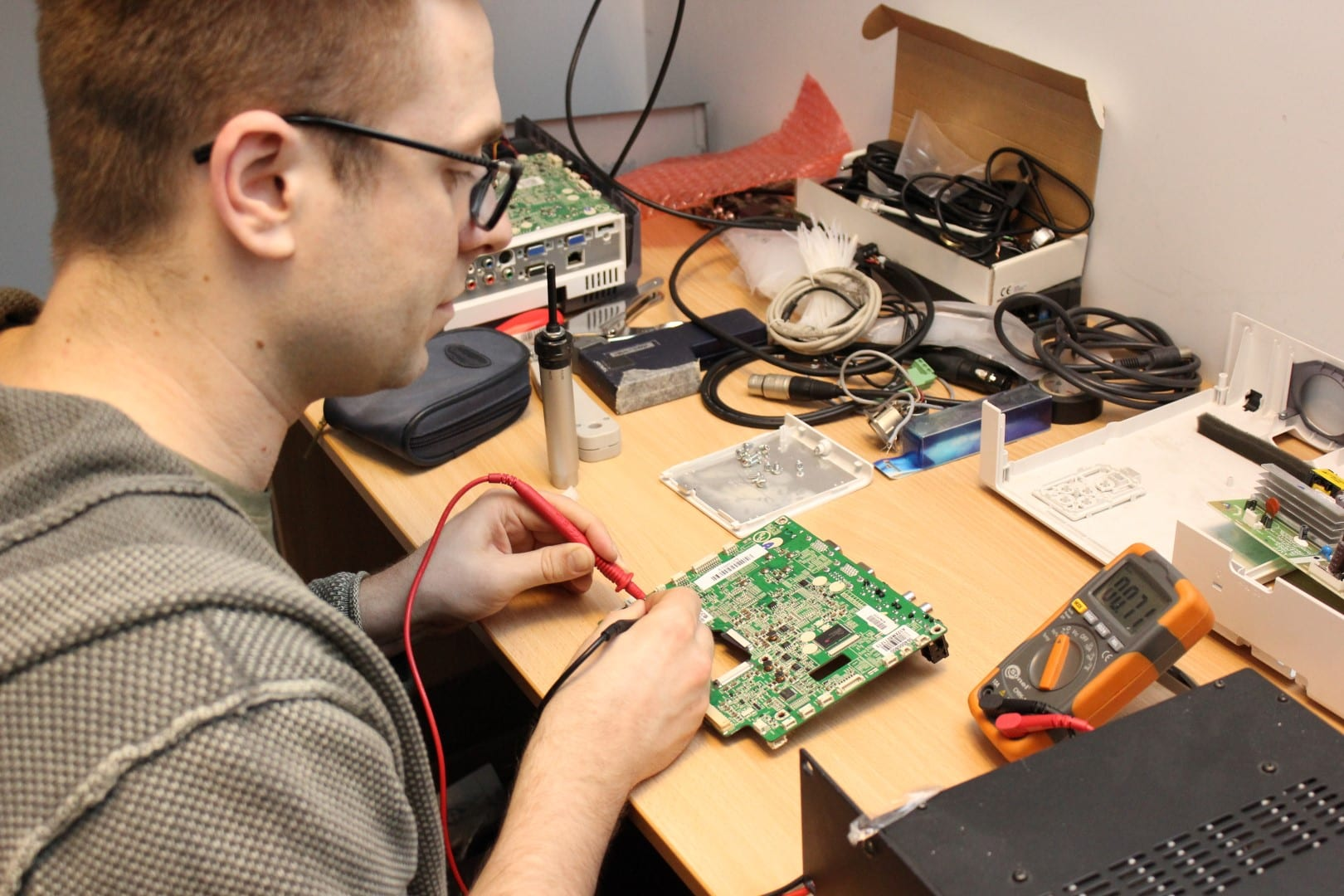 Testing continuity with a digital multimeter