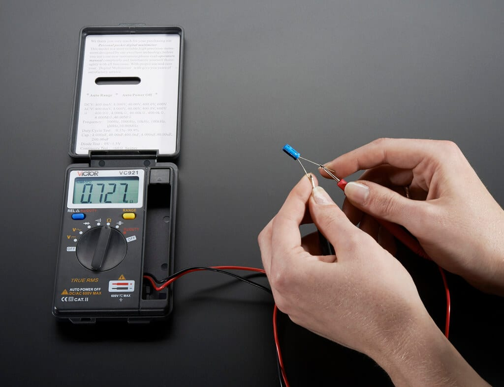 features of digital multimeter
